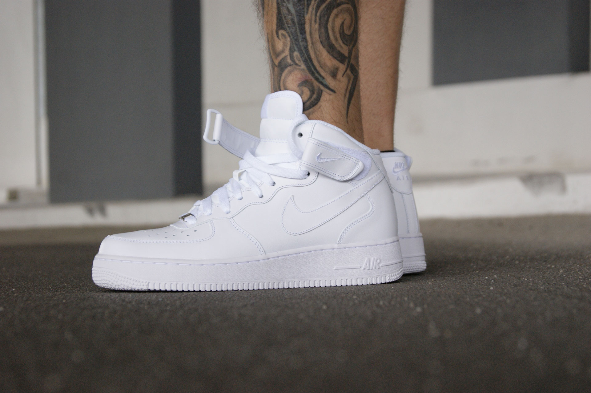 Nike Air Force 1 Mid 315123-111